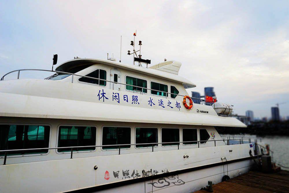 海上各种船图片